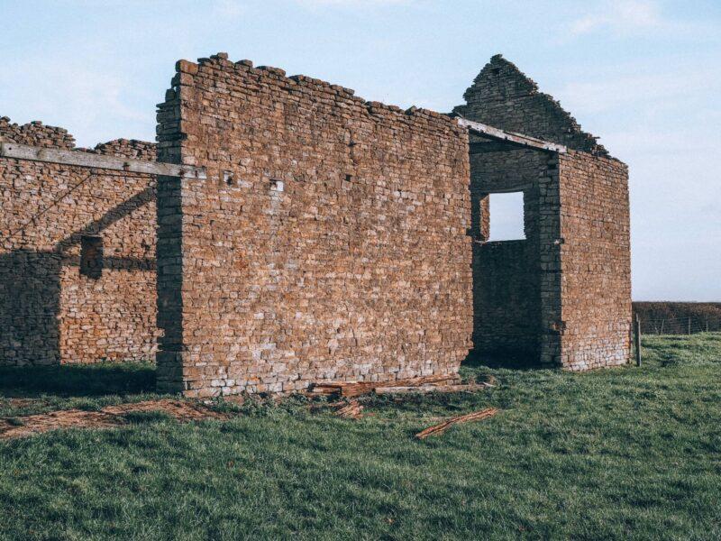 Ruins near Little Linford Woods